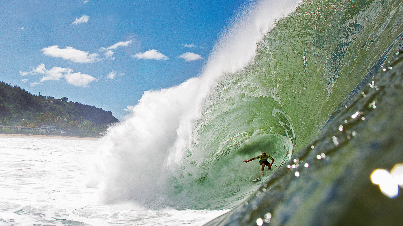 spl-water-housings-photographer-zak-noyle-shoots-pipeline-northshore-hawaii-1400