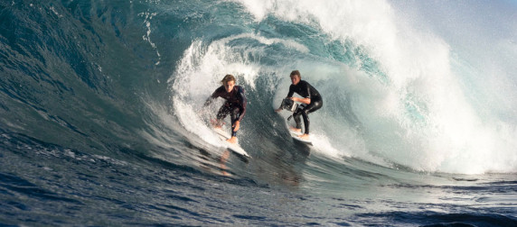 john-john-florence-films-jack-robinson-using-spl-red-camera-waterhousing-1000px